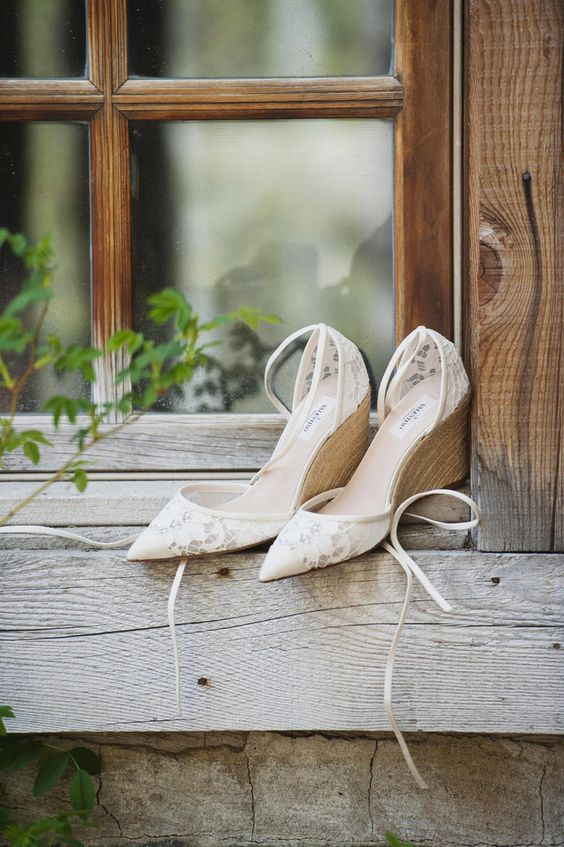 lace pointed toe wedges with wooden feet and straps by Valentino for an elegant and girlish feel