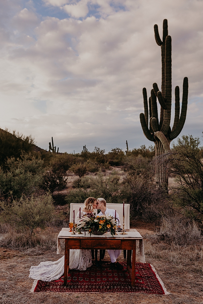 Having a reception right in the Arizona desert, among cacti is a gorgeous way to celebrate