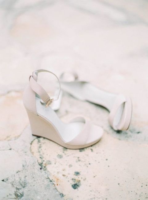 tan wedged sandals with ankle straps are a perfect option for a minimalist bride