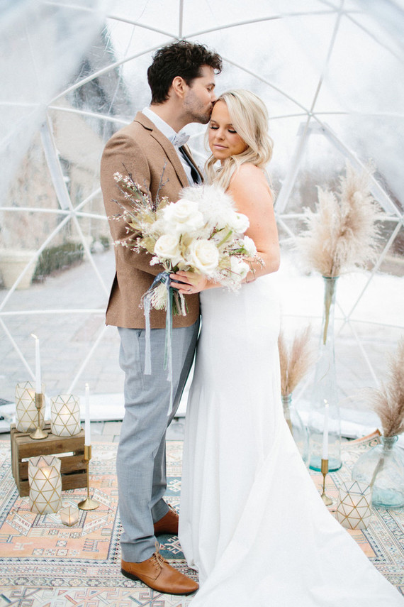 This winter wedding shoot was inspired by snow storms, igloos and pastels with a slight boho feel