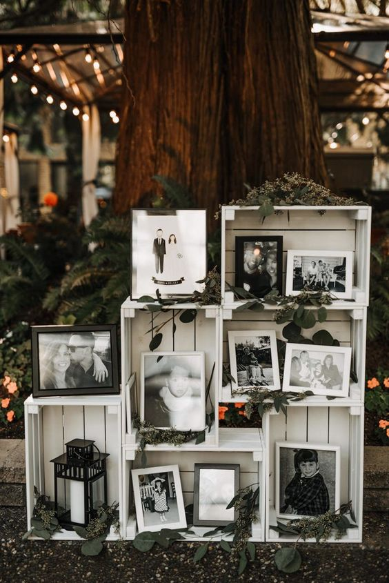 cool way to decorate your reception with crates