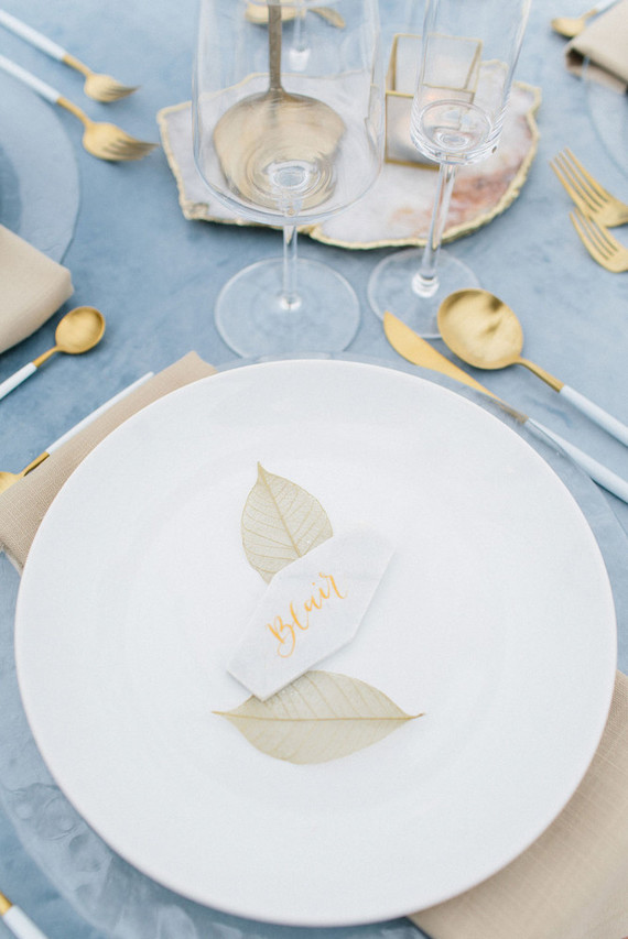trendy geode plates for a wedding table