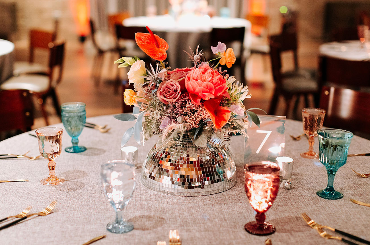 sparkly centerpieces for a bright wedding