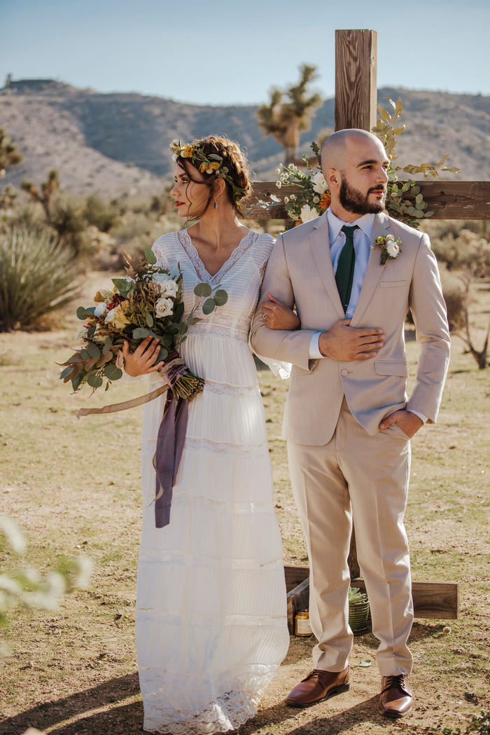 This Joshua Tree elopement is filled with boho chic and beautiful and bright desert shades