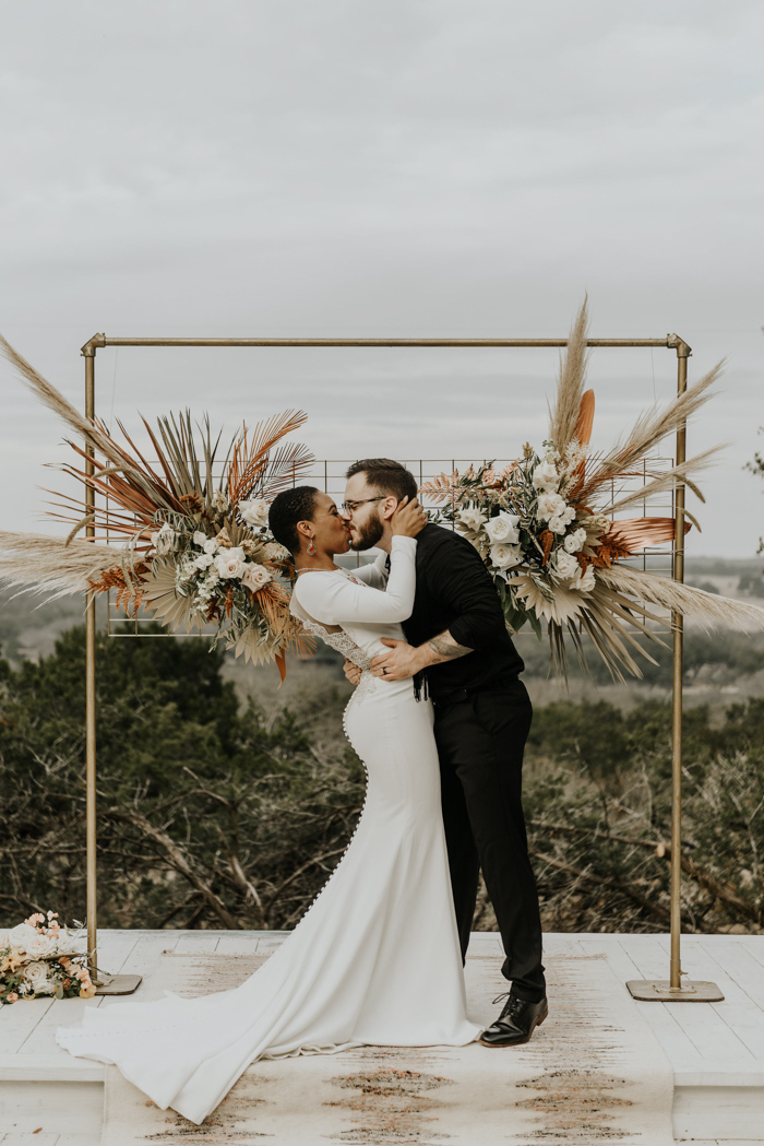 This moody meets folksy wedding shoot was done with boho and rustic touches plus a strong homey feel