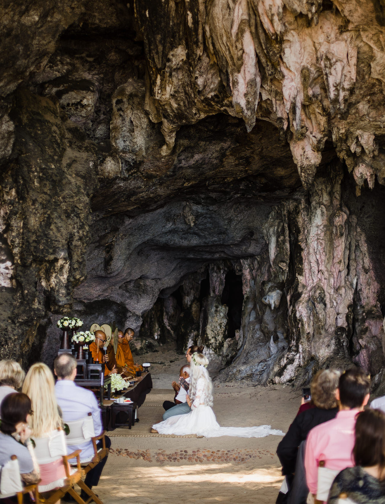 To start off the day, the two had a Buddhist ceremony in the morning in a cave