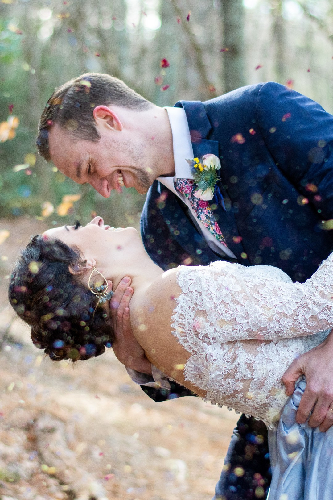 What a colorful wedding shoot without bright confetti
