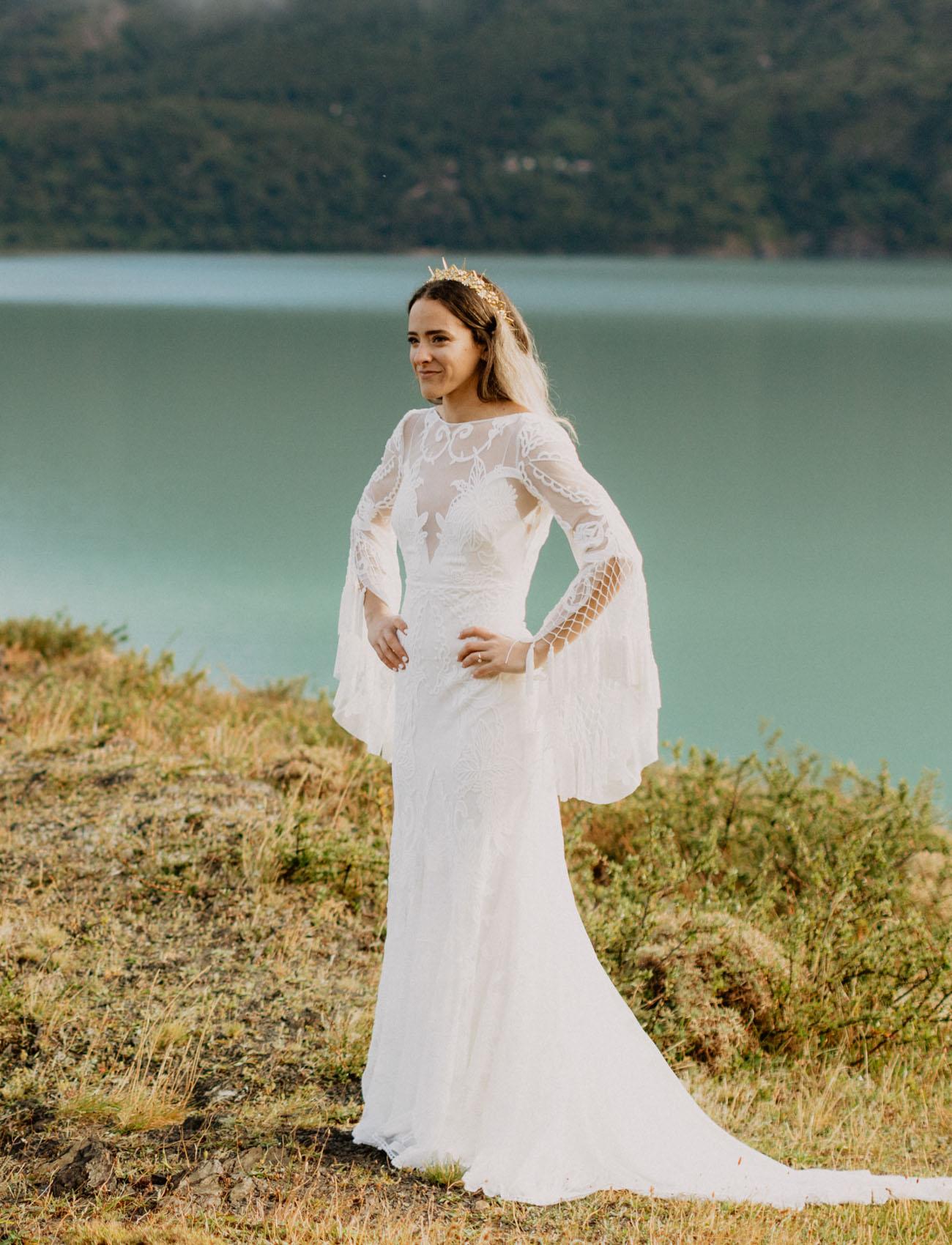 bride in a gorgeous mermaid dres