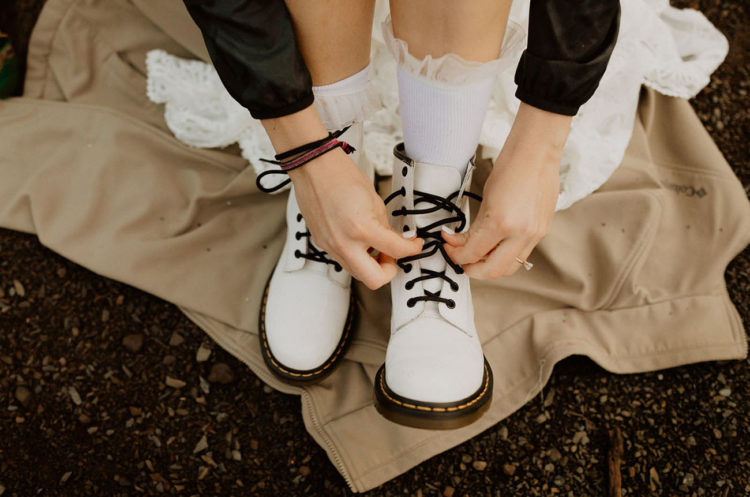 She added comfortable white hiking boots with black laces to finish off her look