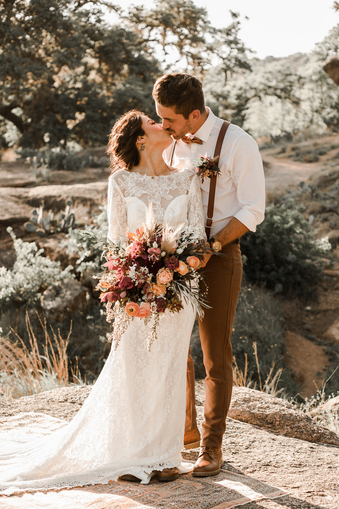 This wedding shoot was styled right for the fall, with brown and cognac touches for an earthy feel