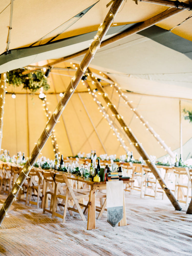 wedding decorated with vintage stuff