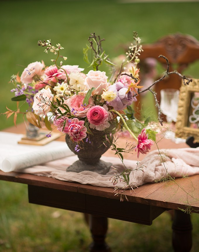 The florals created for the shoot were truly magical and beautiful, with bluush, neutral, lavender and other blooms and much texture
