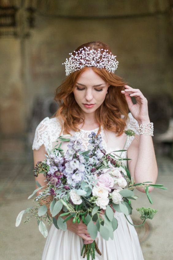 a stunning large pearl crown looks modern and romantic and makes a cool statement