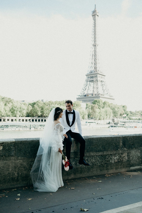 This couple went for a gorgeous refined wedding in Paris that is loved by the bride a lot