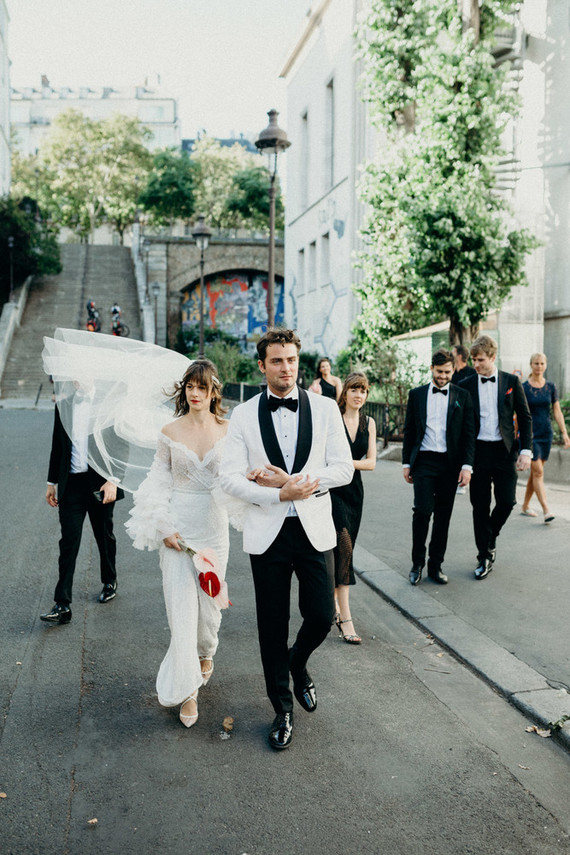 white groom's suit is an awesome choice
