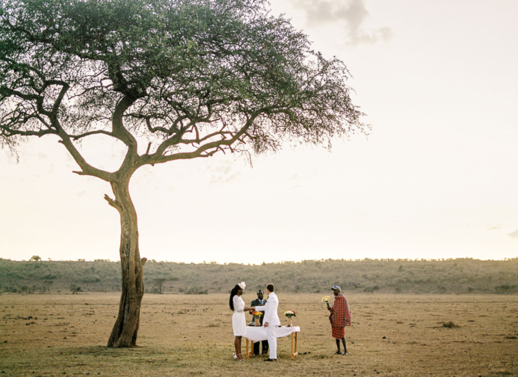 The couple were exchanging the vows under a big tree