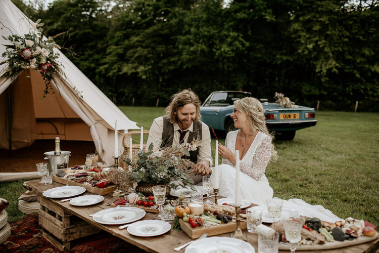 The first table was boho, it was styled as a picnic one, with greenery and lots of tasty food - less decor and more food