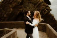 01 This American couple went for a modern fairytale wedding in Ireland, with the views of Atlantics