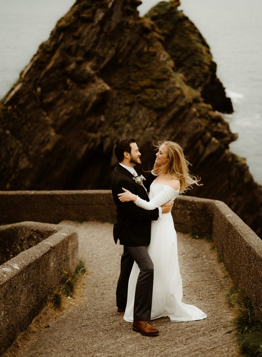 This American couple went for a modern fairytale wedding in Ireland, with the views of Atlantics