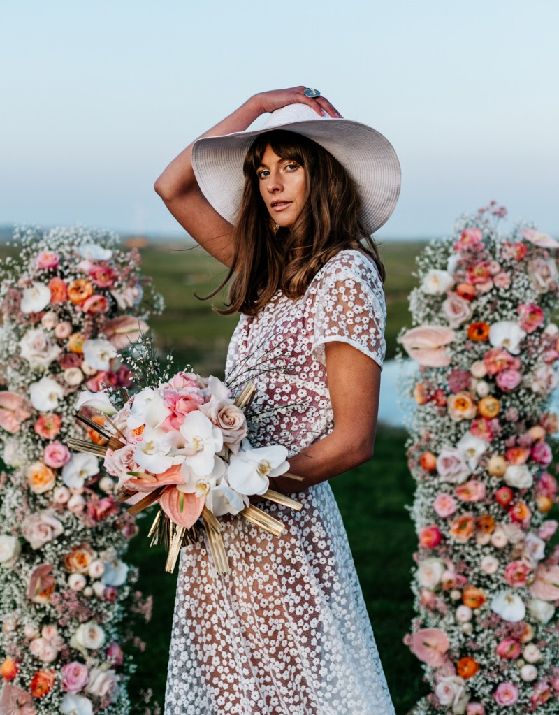 This blush pink wedding shoot had 70s bohemian wedding theme and took place at a nature reserve
