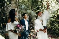 06 The couple chose a shaman to hold their wedding ceremony