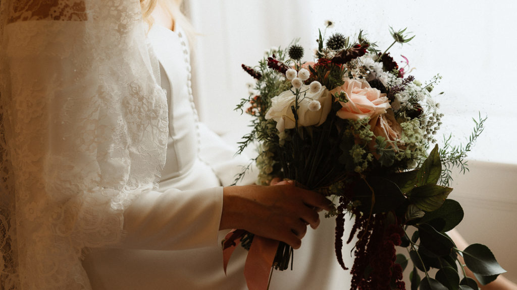 matching blooms is a must for a stylish wedding