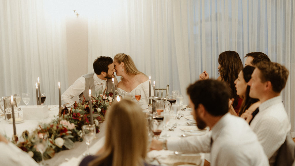 What a lovely and cozy intimate wedding in Ireland
