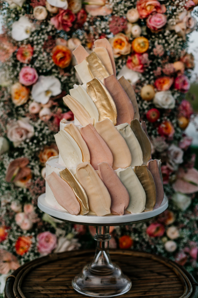 The spectacular wedding cake was a buttercream one, with pastel and gold brushstrokes for a catchy look