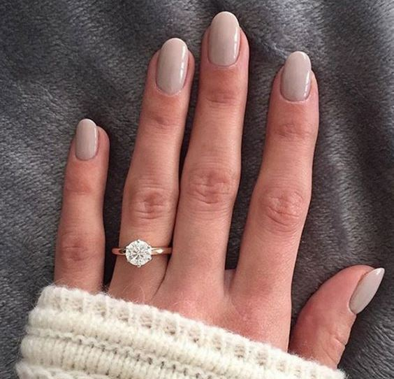 a grey wedding manicure is a timeless idea that always works for most of brides
