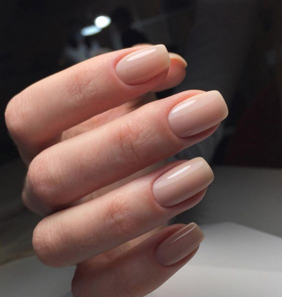 shiny blush nails are classics that fits every bridal style and is always actual to complete your look with elegance