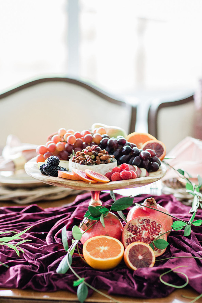 Look at this gorgeous plate with fruits, nuts, berries and some cheese, isn't it amazing
