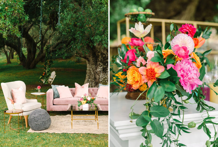 What a lovely lounge with pastel furniture and bright blooms