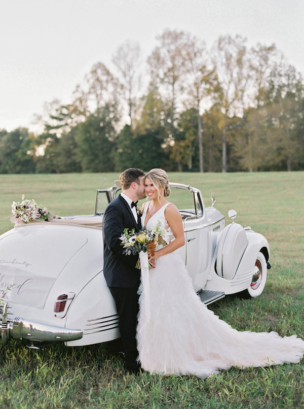 Elegant And Chic Southern Wedding Shoot