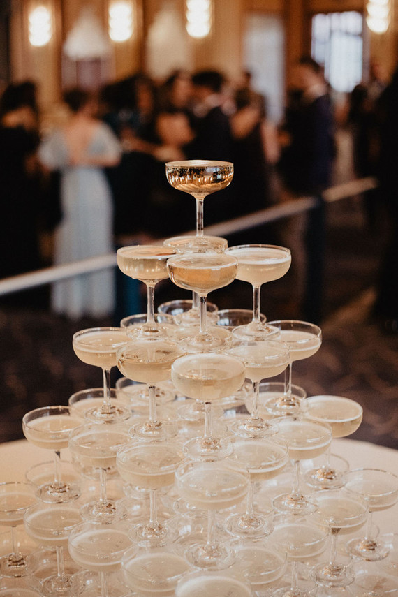 What a 1920s wedding with no champagne tower