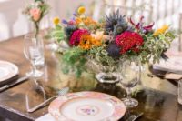 10 Floral plates finished off the tablescape and made it more chic and refined