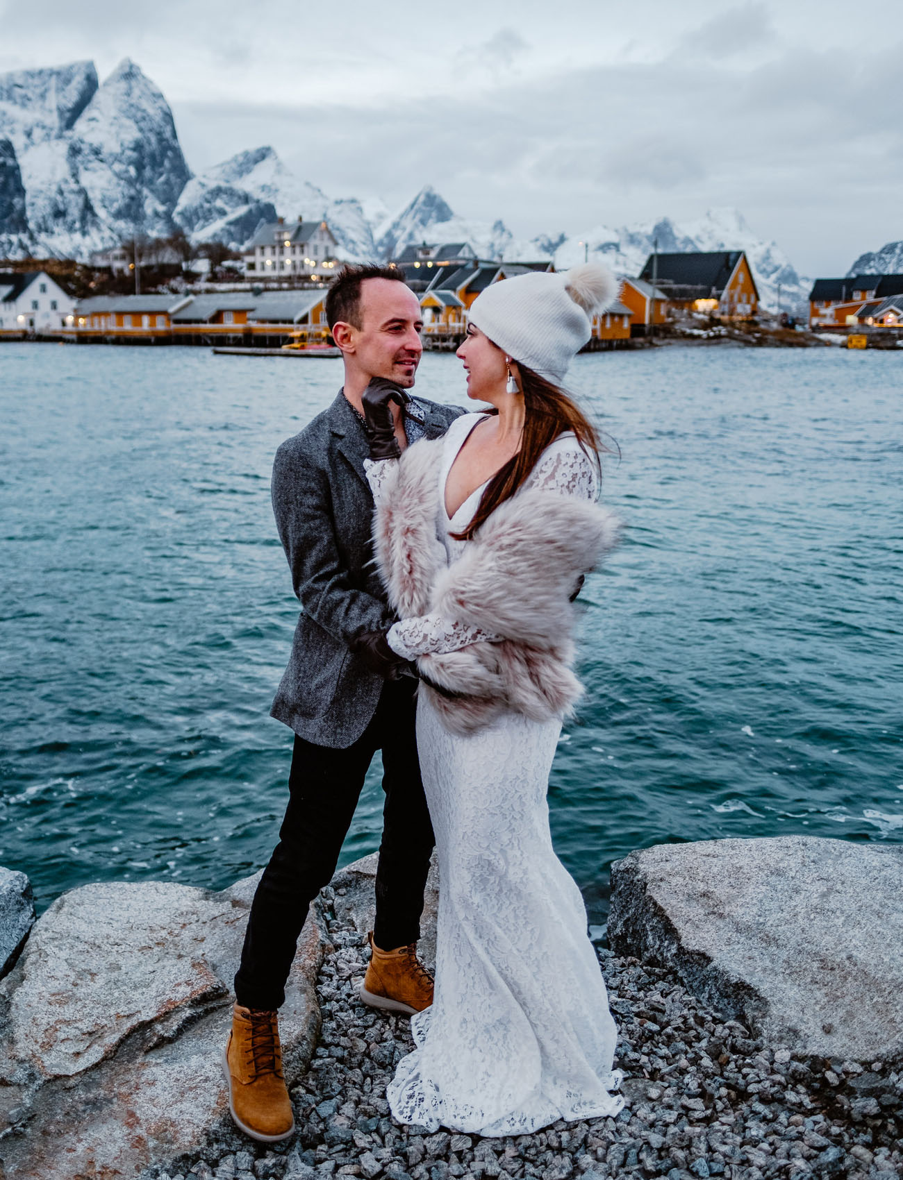 This couple skipped the idea of having a big wedding and decided on an elopement in Norway under the northern lights