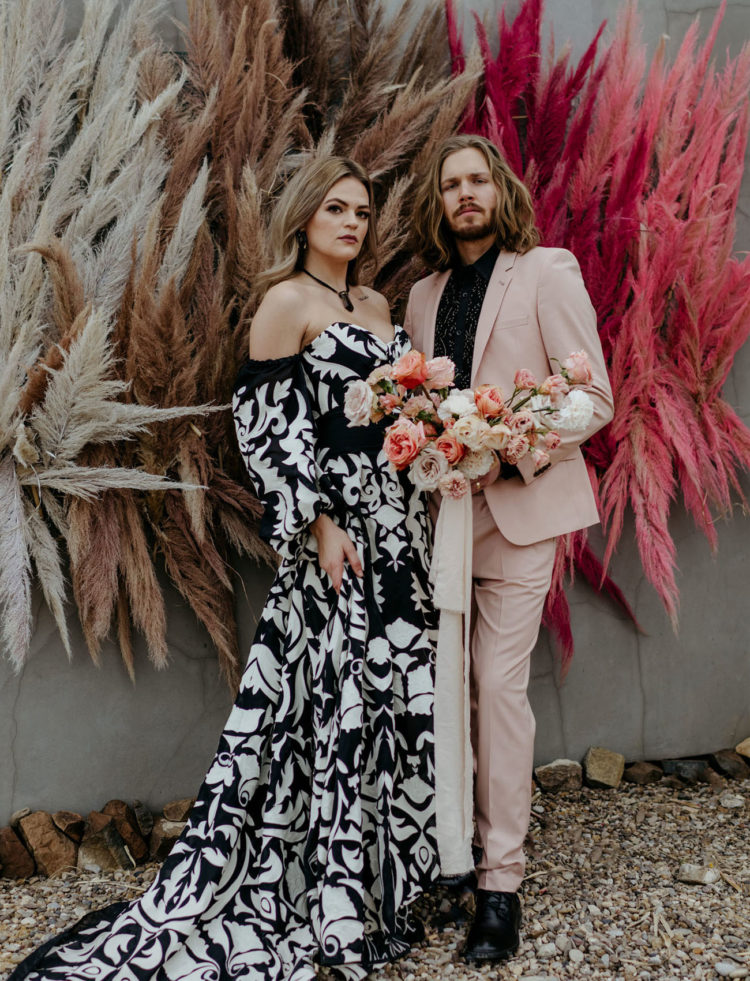 This unusual wedding shoot raises the western style to a new level, with its colors, looks and decor