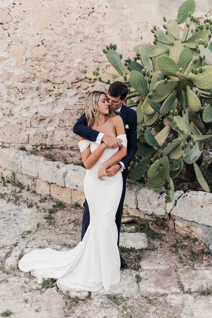 This wedding in Puglia was done with classic elegance and in bright shades