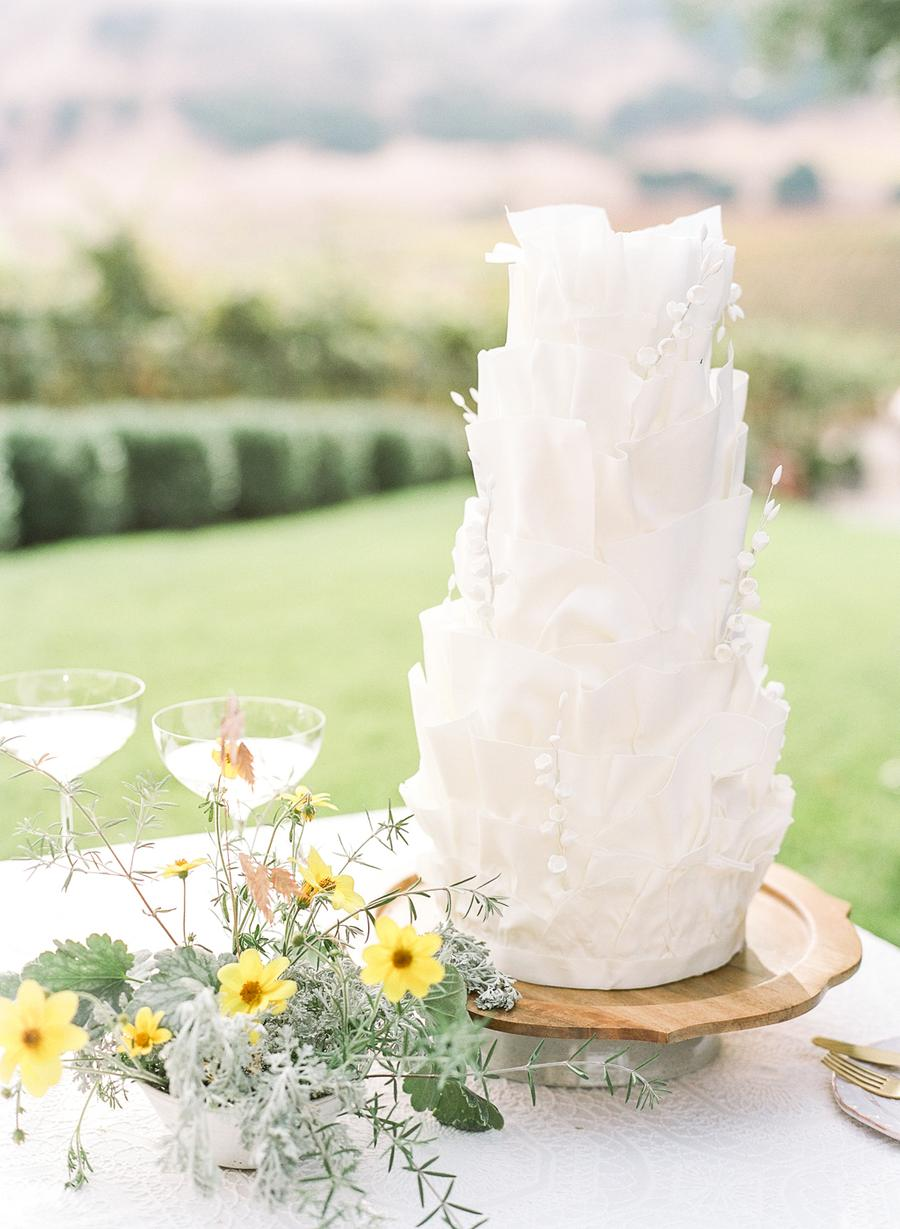 The wedding cake was a white ruffle one, with white chocolate branches for a refined touch