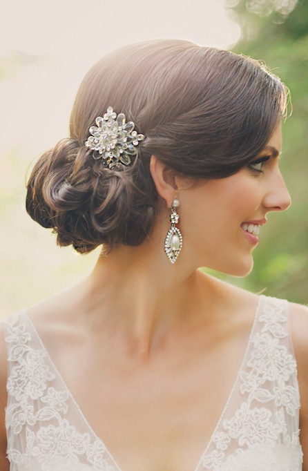 vintage wedding earrings with pearls and a beautiful sheer hairpiece to polish a romantic bridal look with a vintage feel