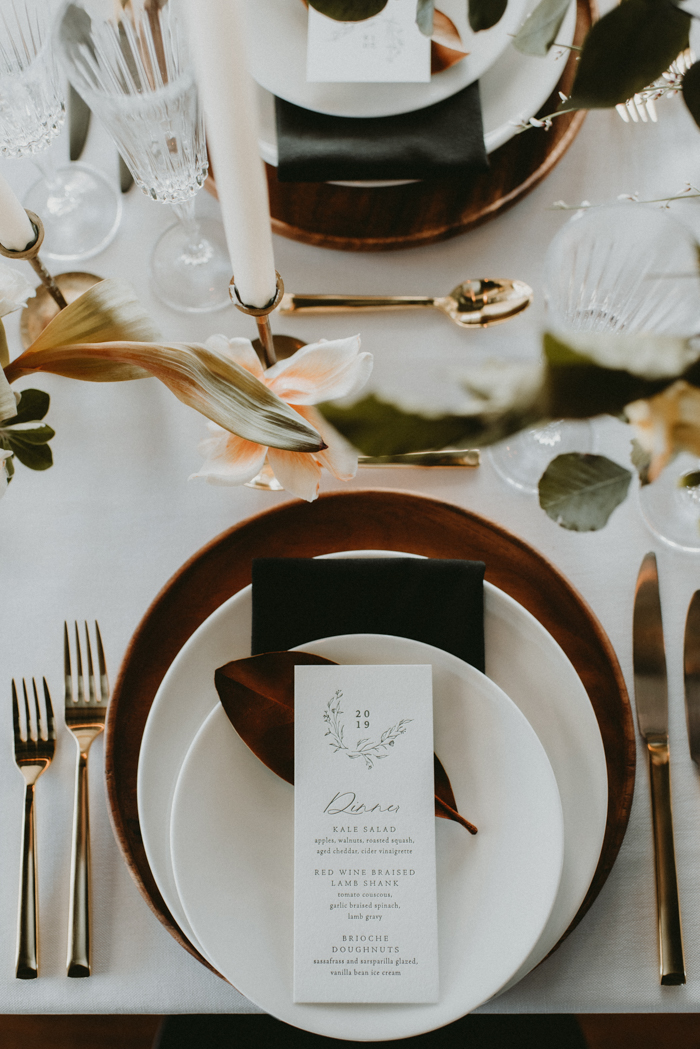 This place setting shows how modern elegance and classics can look