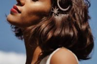 11 a short wavy bob with copper and crystal hair pins – a star and a moon for a wow look