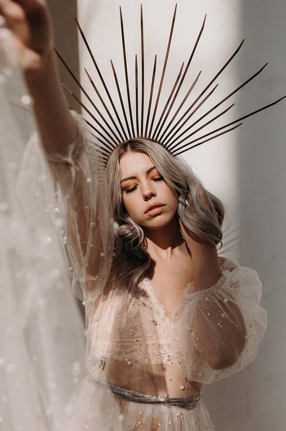an oversized statement spikey bridal crown is an amazing idea for a modern celestial bride who wants to make a statement