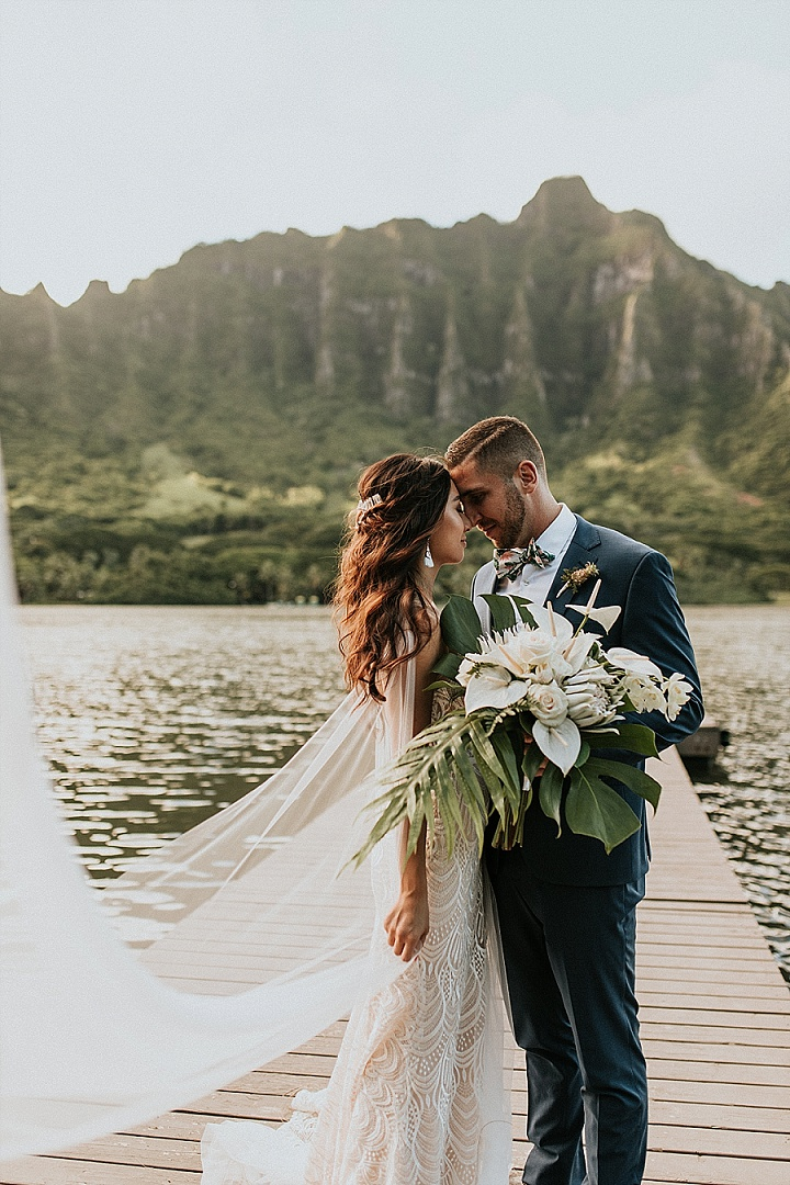 Stylish Hawaii Wedding In Green And White