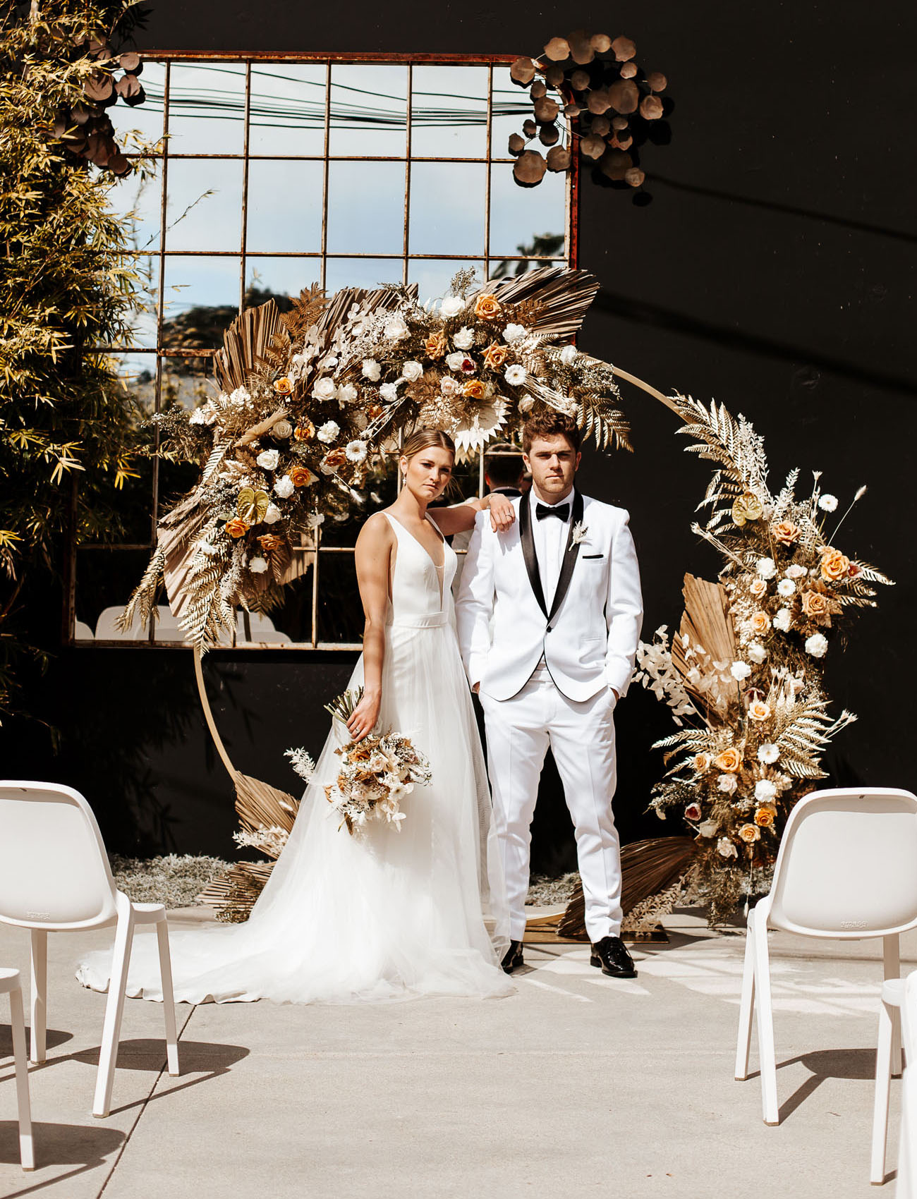 This modern neutral wedding shoot shows how you can pull off an edgy and bold wedding
