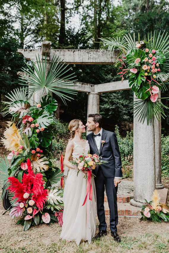 This wedding was colorful and bright, with a tropical twist but took place in Italy, so it was totally non typical