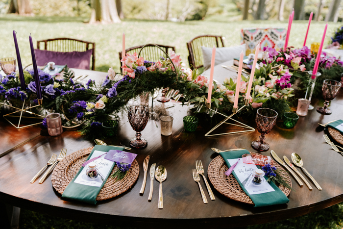 I love woven chargers, colorful paper goods and bold blooms on the table