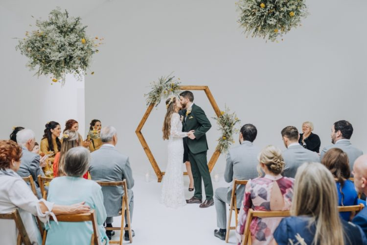 This minimalist wedding was done with yellow touches and it was all DIY