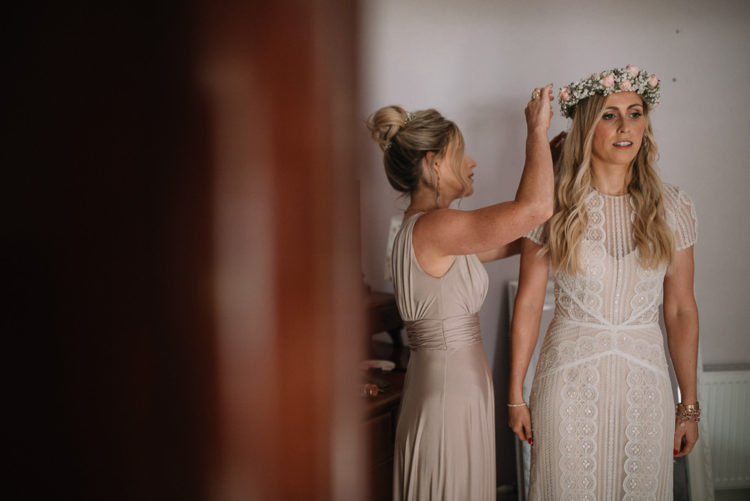 floral crown is a good choice for a boho bride