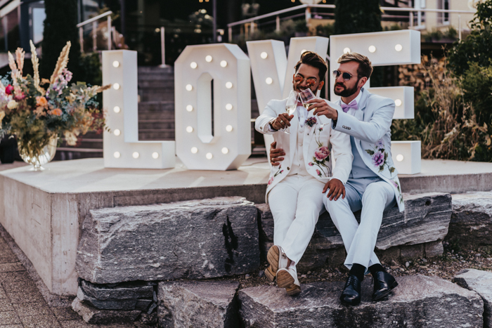 The couple enjoyed a gorgeous wedding day with all their friends and closest ones